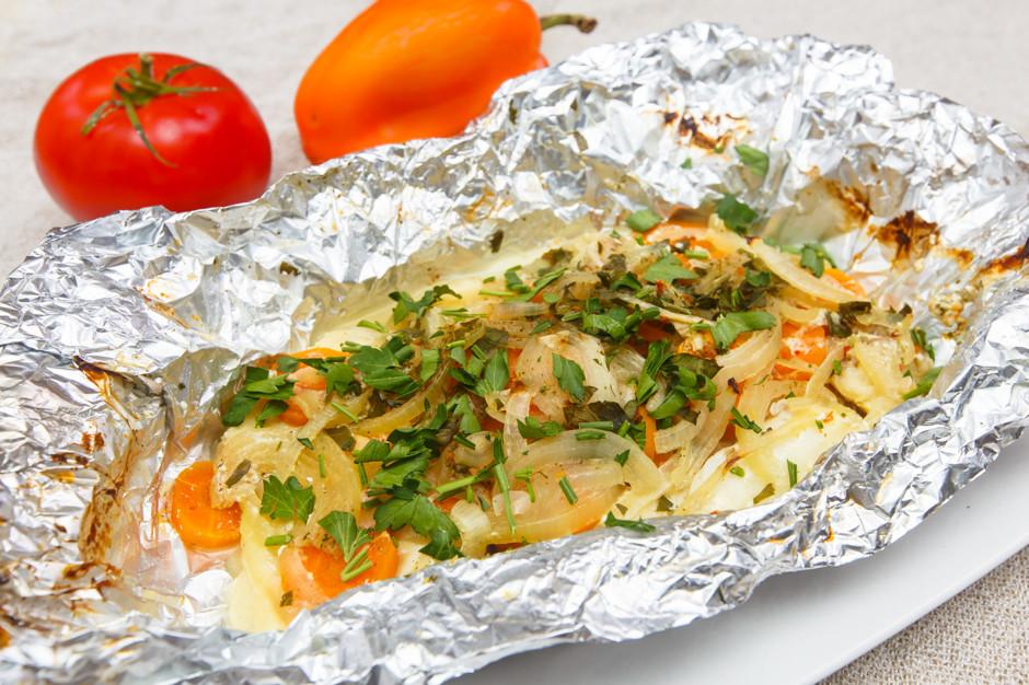 Вкуснейшая рыбка с овощами, запеченная в фольге