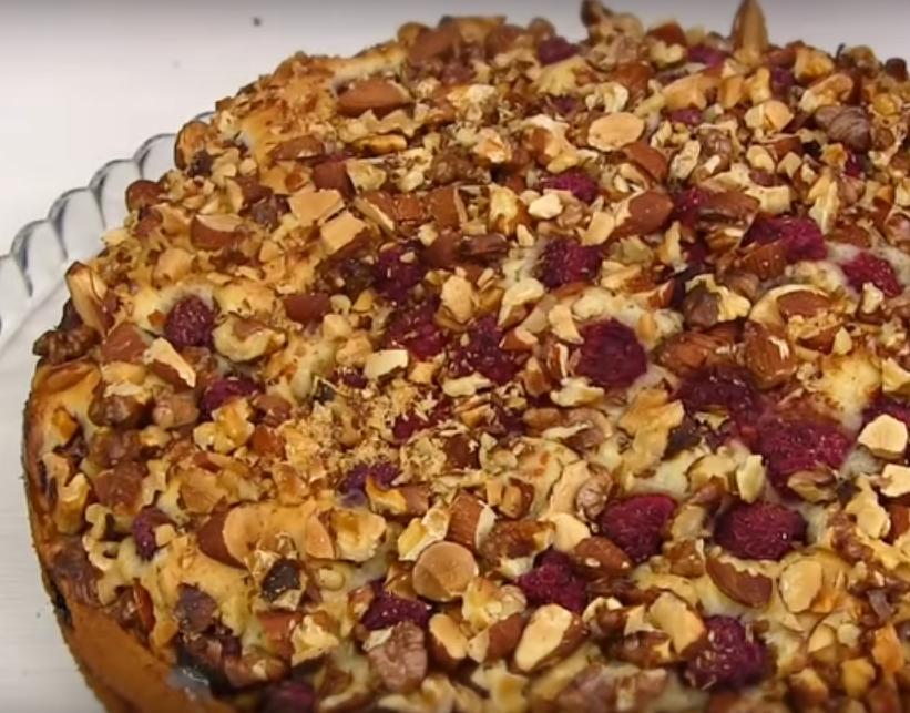 Малиновый пирог-сметанник: просто и легко