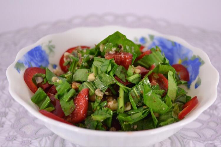 Вкуснейший салатик из щавеля и баклажанов
