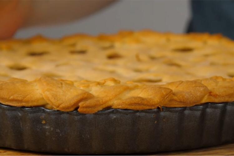Самый яблочный пирог, который приведёт в восторг каждого