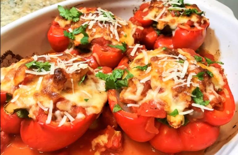 Болгарский перец, фаршированный мясом и овощами: диетический рецепт
