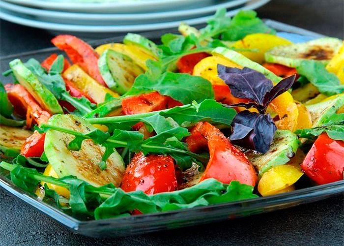 Необычный салат из обычных кабачков