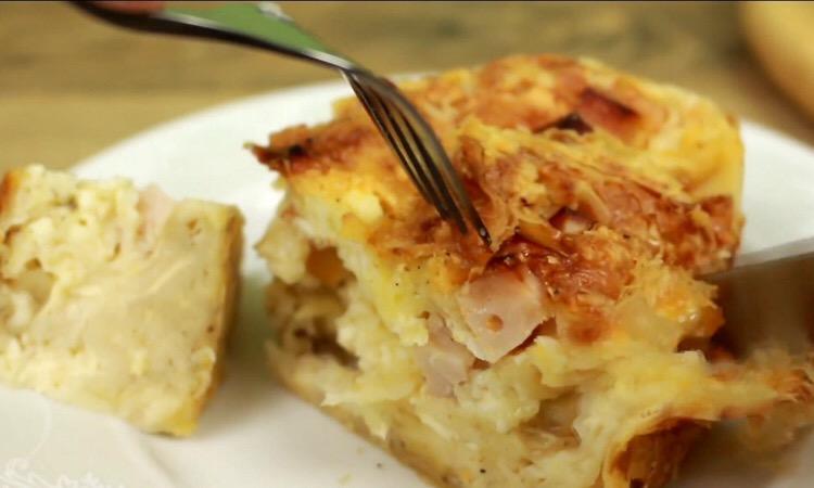 Очень аппетитный сырный пирог-суфле