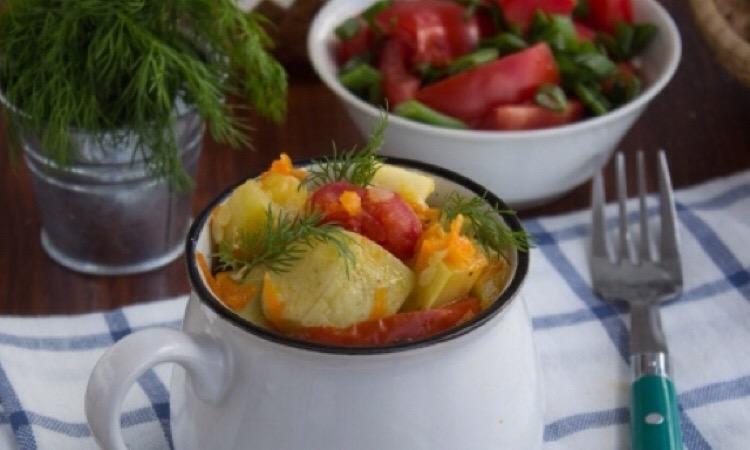 Готовим в мультиварке: тушеные кабачки с помидорами
