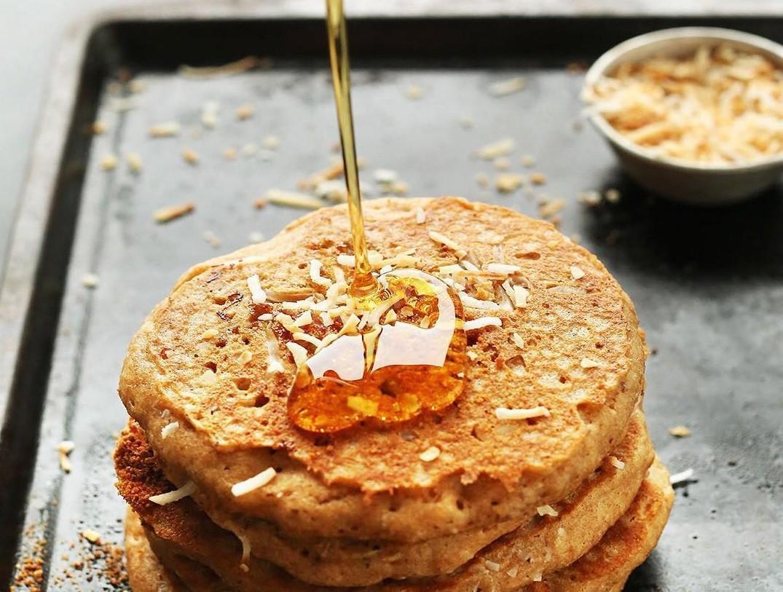 Морковно-кокосовые оладушки: идеальное блюдо к завтраку