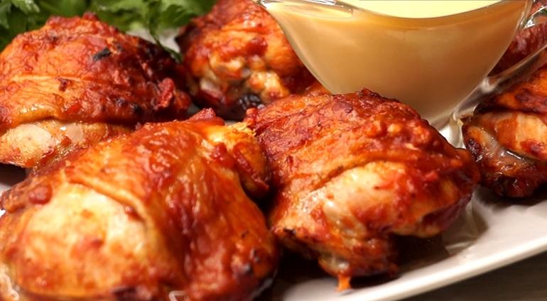 Курица в быстром маринаде и вкусный соус к мясу: собираемся на природу