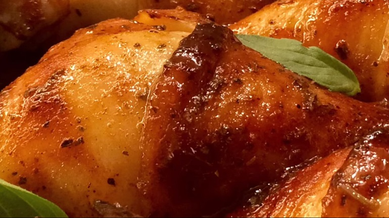 Куриные голени в интересной заправке, запеченные в духовке: дешево и сердито