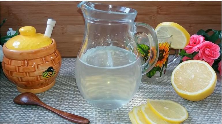 Медовая вода для улучшения обмена веществ: нужно пить каждый день