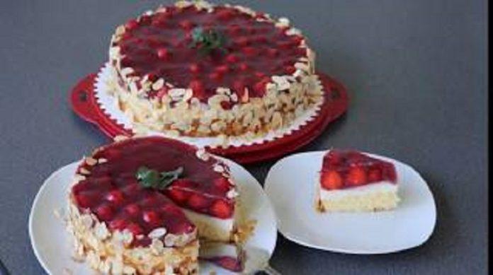 Бисквитный домашний торт с клубникой: нереально вкусно