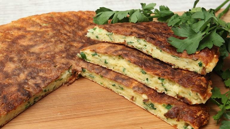 Сырная вкусная лепешка за 10 минут: ленивые хачапури