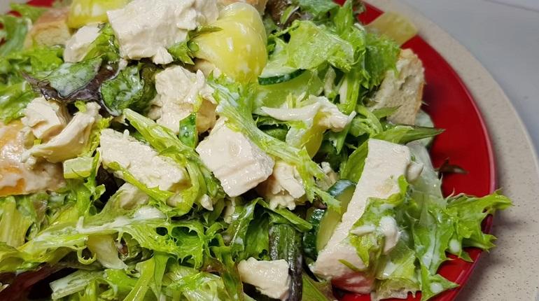 Улетный салат «Фаворитка»: очень вкусная новинка с изюминкой