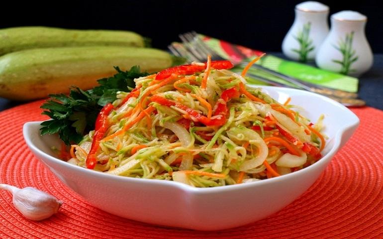 Вкуснейшие кабачки по-корейски: закуска из морковки отдыхает