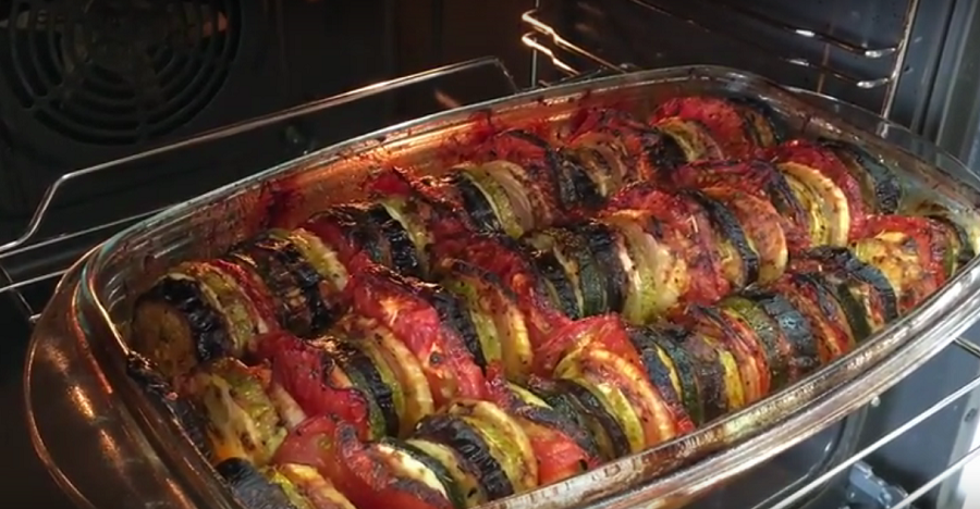 Вам обязательно стоит попробовать овощной конфи по - провански