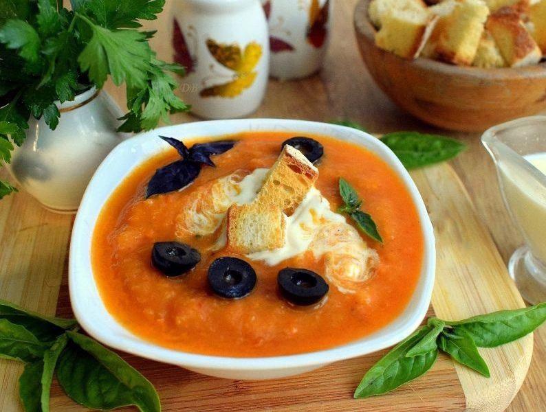 Очень вкусный летний холодный суп с кабачковой икрой