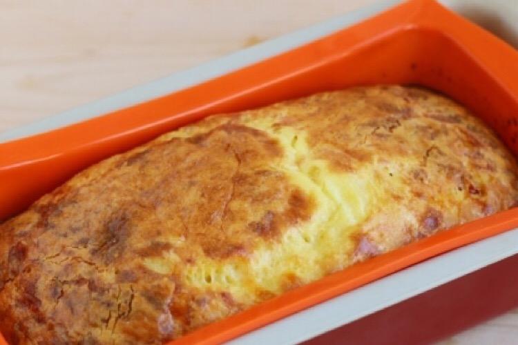 Обалденный кукурузный хлеб с брынзой в духовке