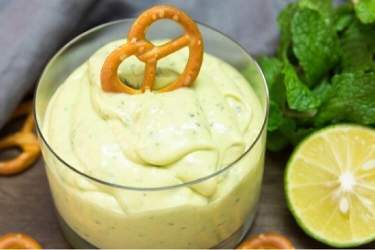 Потрясающий соус из авокадо и мяты к стейкам