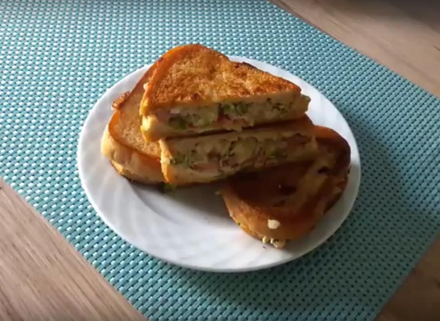 Очень вкусные горячие бутерброды на сковороде
