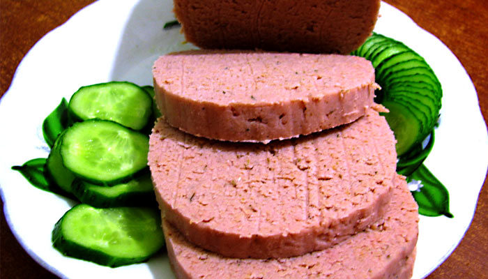 Домашняя постная вегетарианская колбаса из гороха