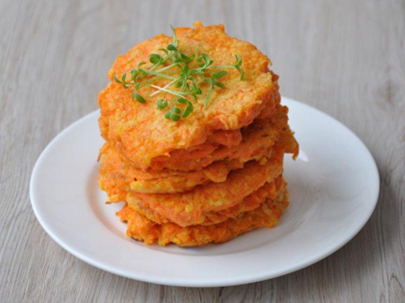 Очень вкусные оладьи с рыбой и морковью