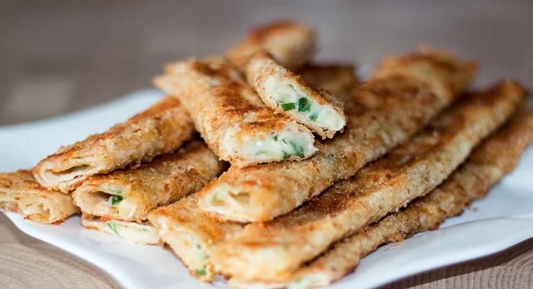 Быстрые сырные палочки из лаваша: отличный перекус