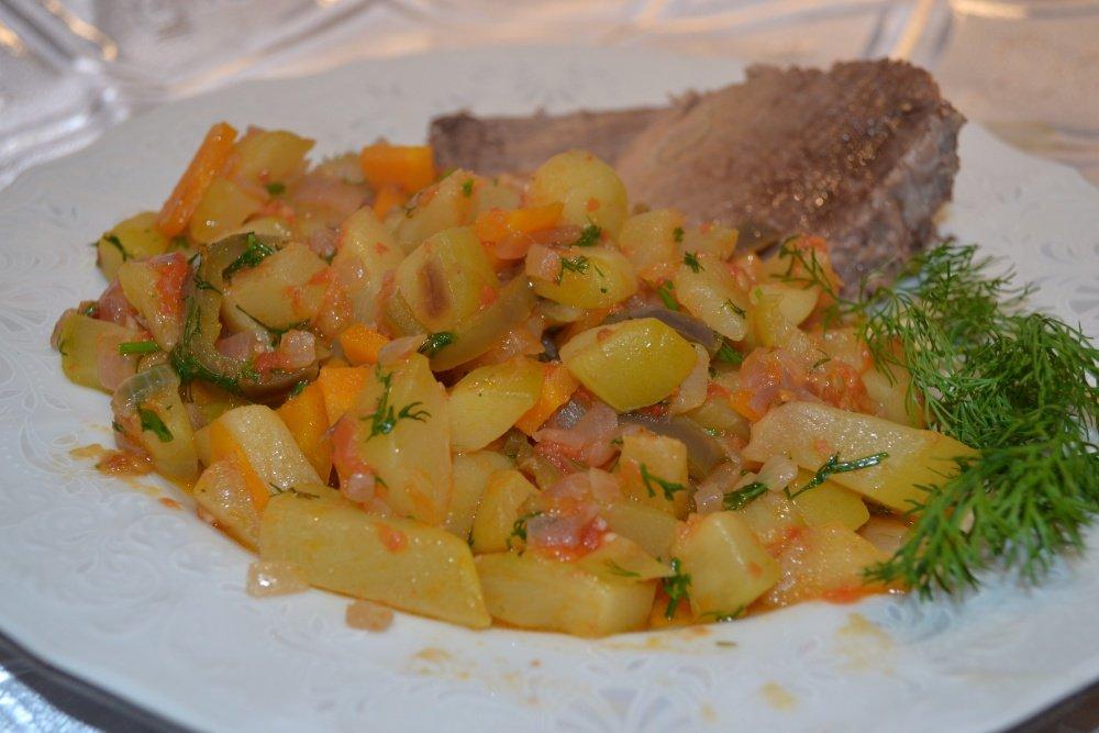 Очень вкусное овощное рагу из кабачков