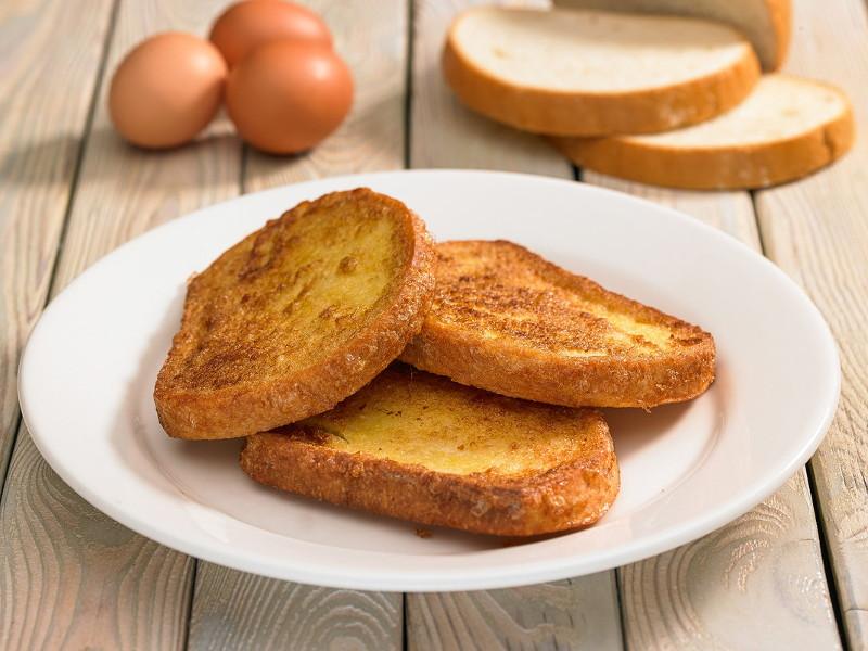 Отличное блюдо к завтраку: сладкие гренки