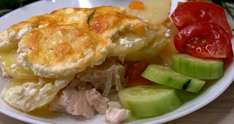 Картофельная запеканка с куриным филе: все сложили и забыли