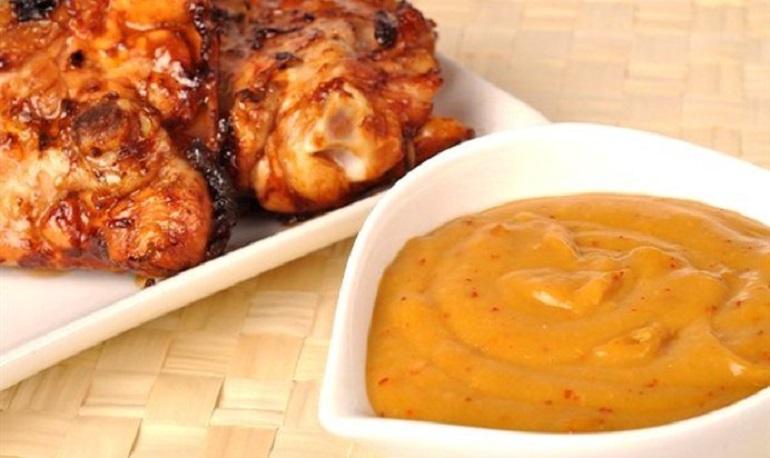 Кисло-сладкий соус из абрикосов на зиму за 5 минут: к любому блюду