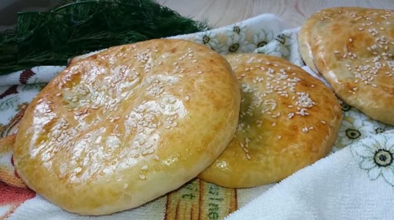 Лепешки на кефире с картофельной начинкой: нет ничего вкуснее