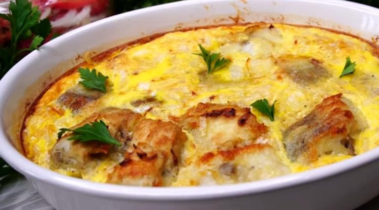 Минтай в омлете на ужин: простое и вкусное блюдо