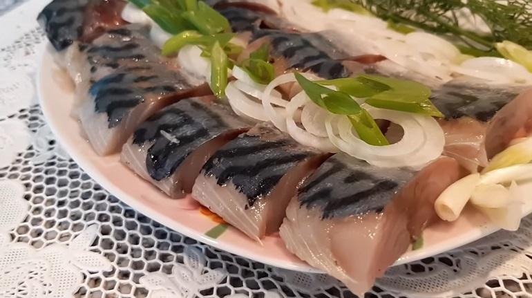 Скумбрия пряного посола за одни сутки: простой рецепт для любой рыбы