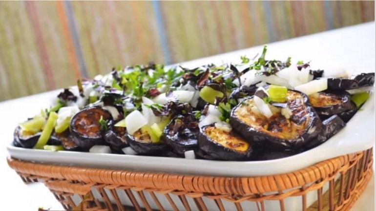 Супер закуска из баклажанов: сколько не сделай, всегда мало