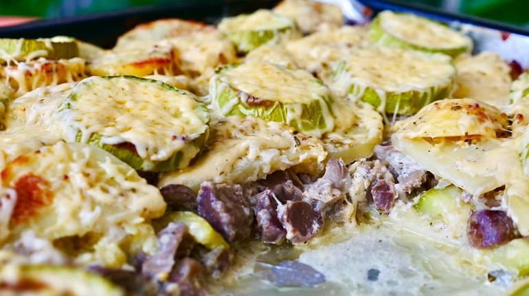 Сытный обед на большую компанию: из куриных желудков и овощей