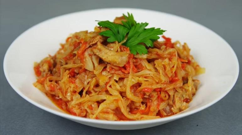 Тушеная капуста с мясом: вкусное блюдо на каждый день