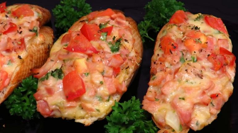 Вкусные горячие бутерброды за 10 минут: перекус для детей и взрослых