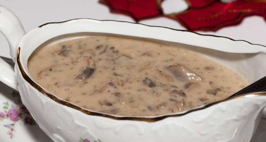 Изумительный соус к завтраку из грибов и пармезана