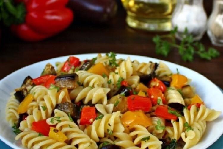 Вкуснейшее блюдо на каждый день: паста с запеченными овощами