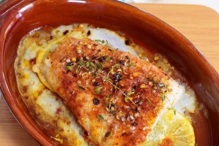 Аппетитная треска, запеченная по-гречески