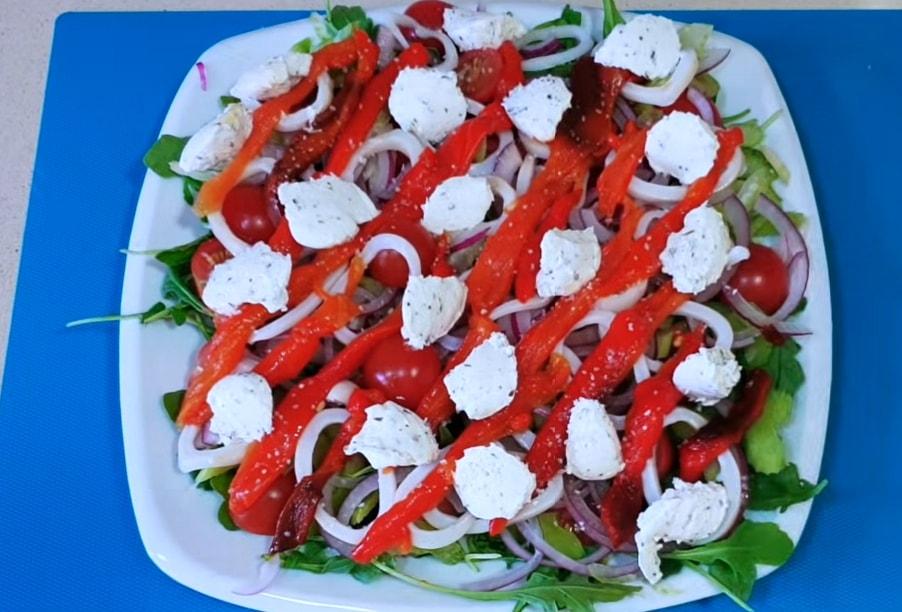 Интересный салат с кальмаром и сельдереем