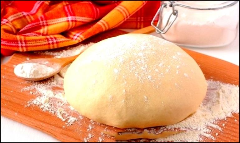 Дрожжевое тесто за 10 минут: идеально для пирожков с любой начинкой