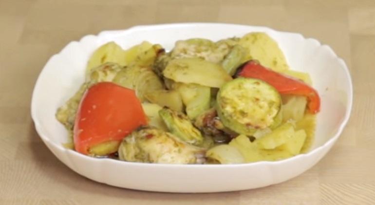 Курица с овощами в рукаве: простейшее блюдо на ужин