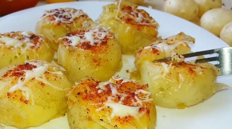 Молодой картофель с хрустящей корочкой: просто, быстро и невероятно вкусно