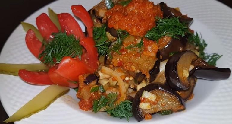 Обалденный салат с баклажанами: к шашлыку и любому мясу