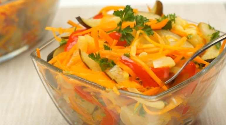 Оригинальный салат из кабачков: наслаждаемся ароматами уходящего лета