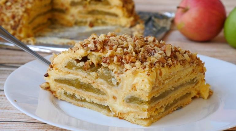Яблочный торт с заварным кремом: интересная домашняя выпечка