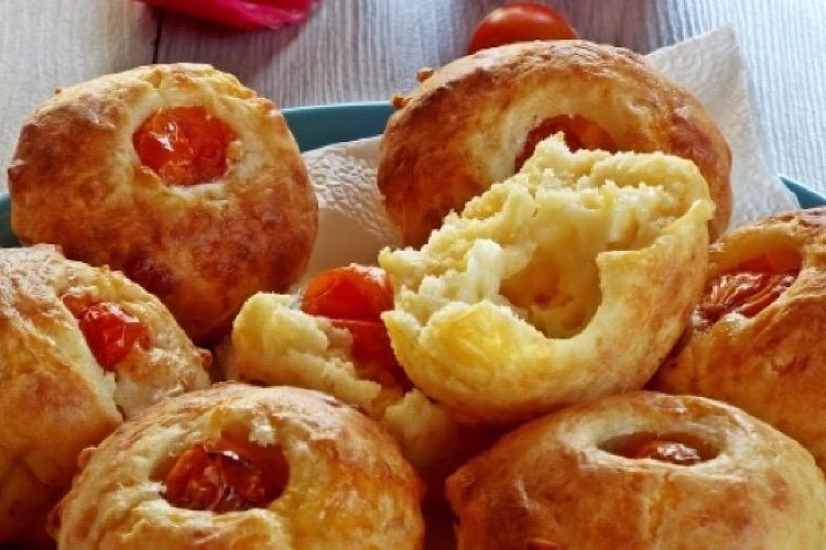 Вкуснейшие сырные маффины с помидорками черри