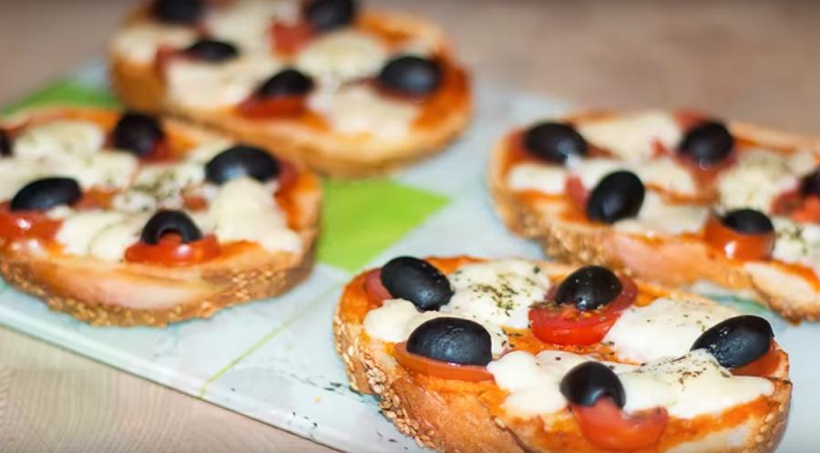 Ваши дети сами приготовят такие мини-пиццы