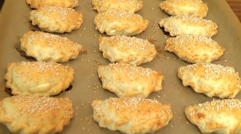 """Отменные пирожки из песочно-слоеного теста с творогом и брынзой """"Бурекас"""""""