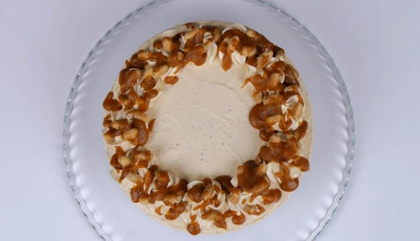 """Божественный торт """"Сникерс"""" с соленой карамелью"""