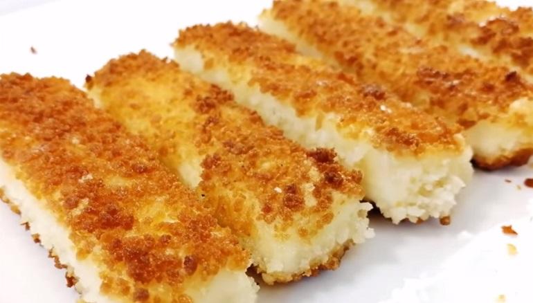 Быстрая закуска из плавленого сыра за 10 минут: для дружеских посиделок